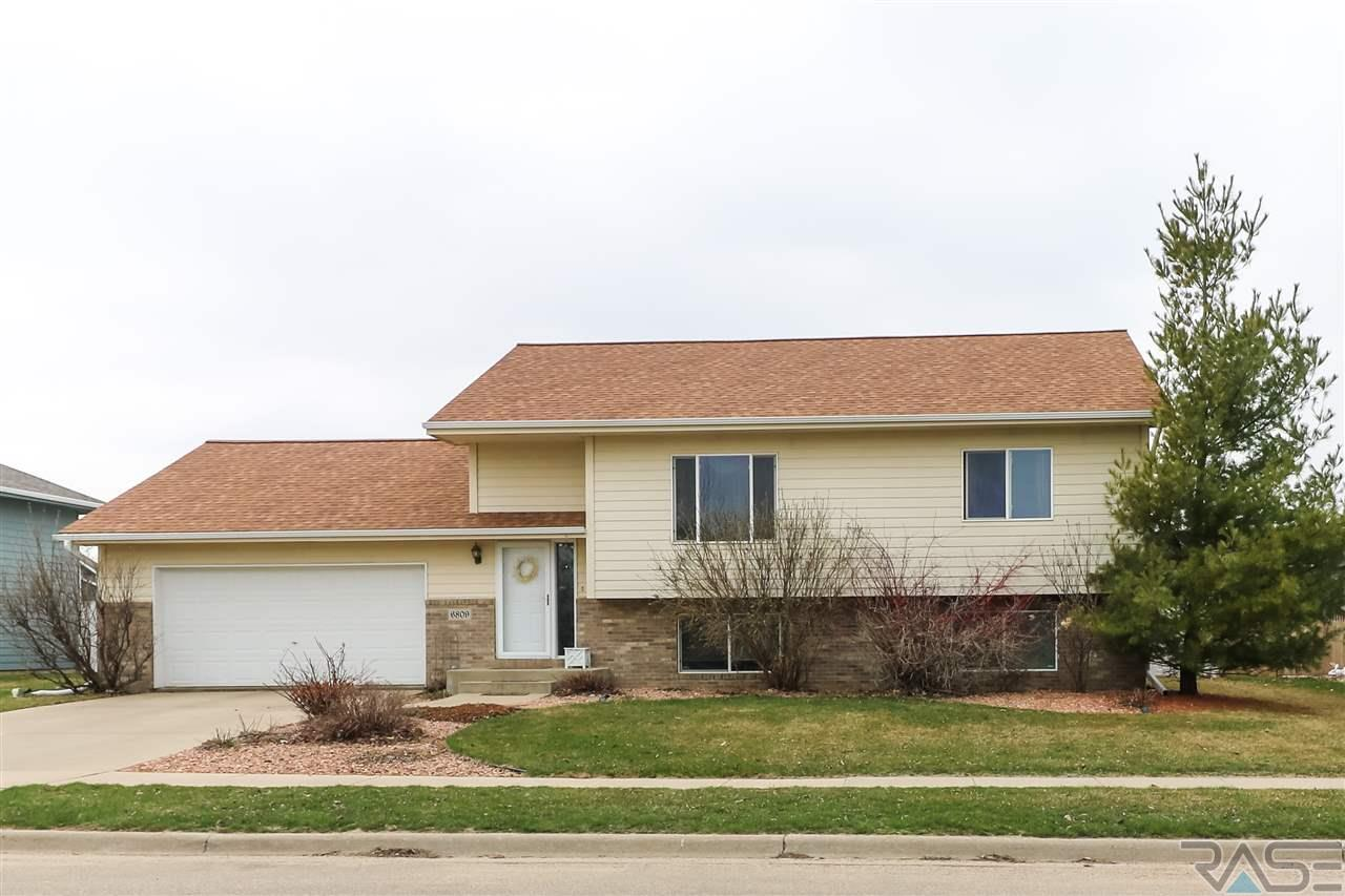 6809 S Mogen Ave, Sioux Falls, SD 57108
