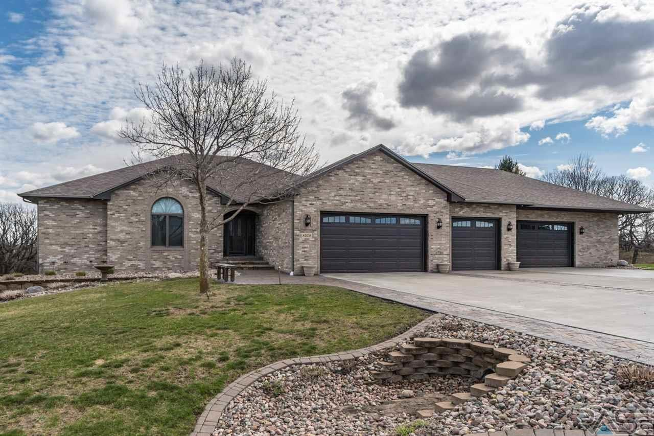 8528 E Willow Ridge Pl, Sioux Falls, SD 57110