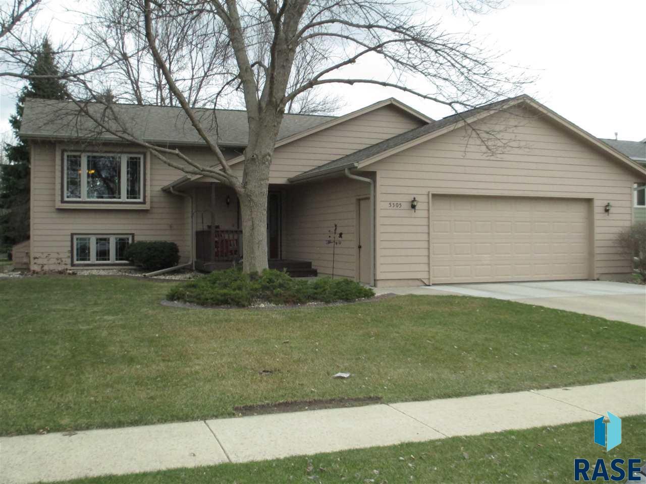 5505 W 23rd St, Sioux Falls, SD 57106