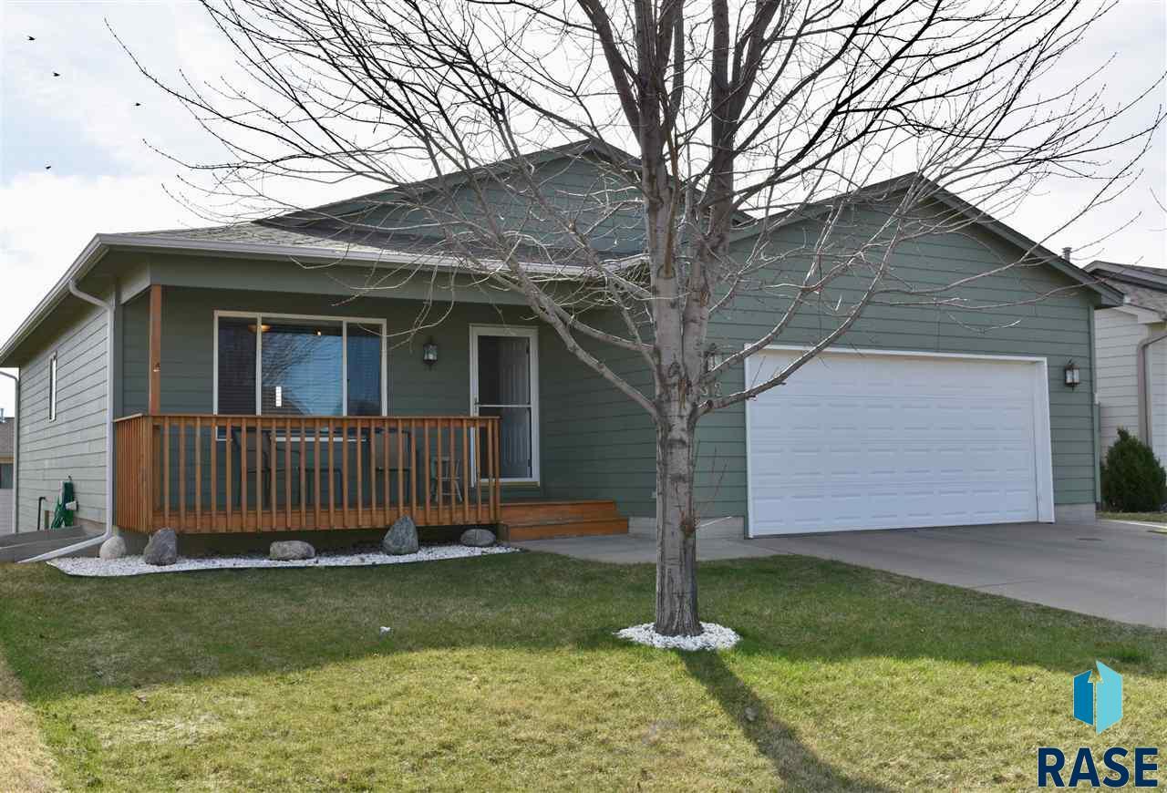 812 S Wheatland Ave, Sioux Falls, SD 57106