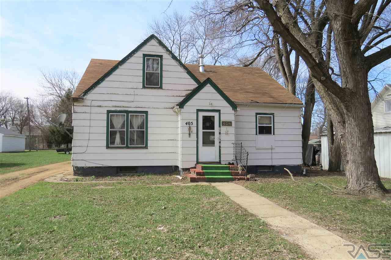 405 Cedar Ave, Marion, SD 57043