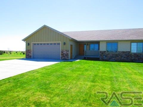 124 Lake Ridge Dr, Wentworth, SD 57075