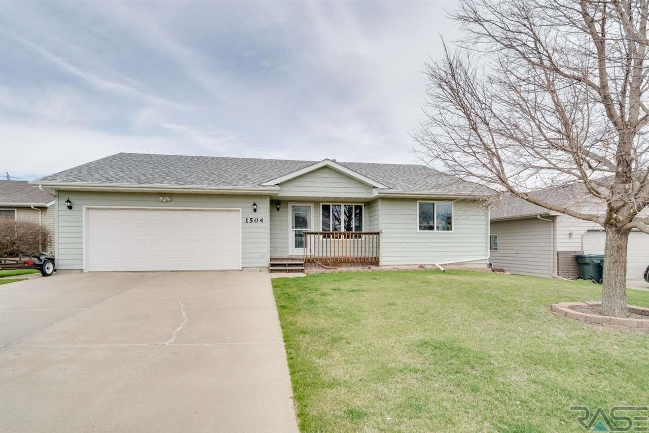 1504 E Old Hickory St, Sioux Falls, SD 57104