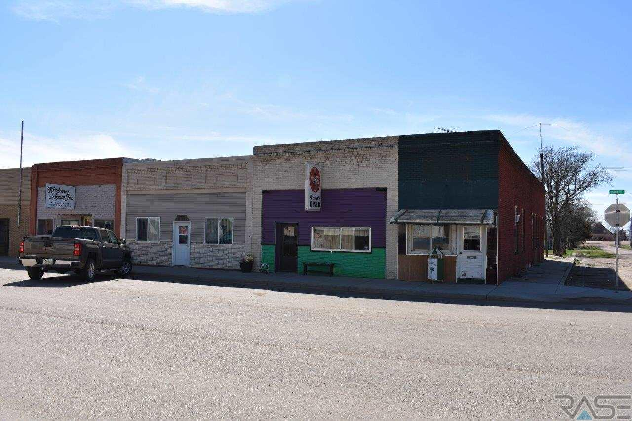 103 S Main St, White Lake, SD 57383