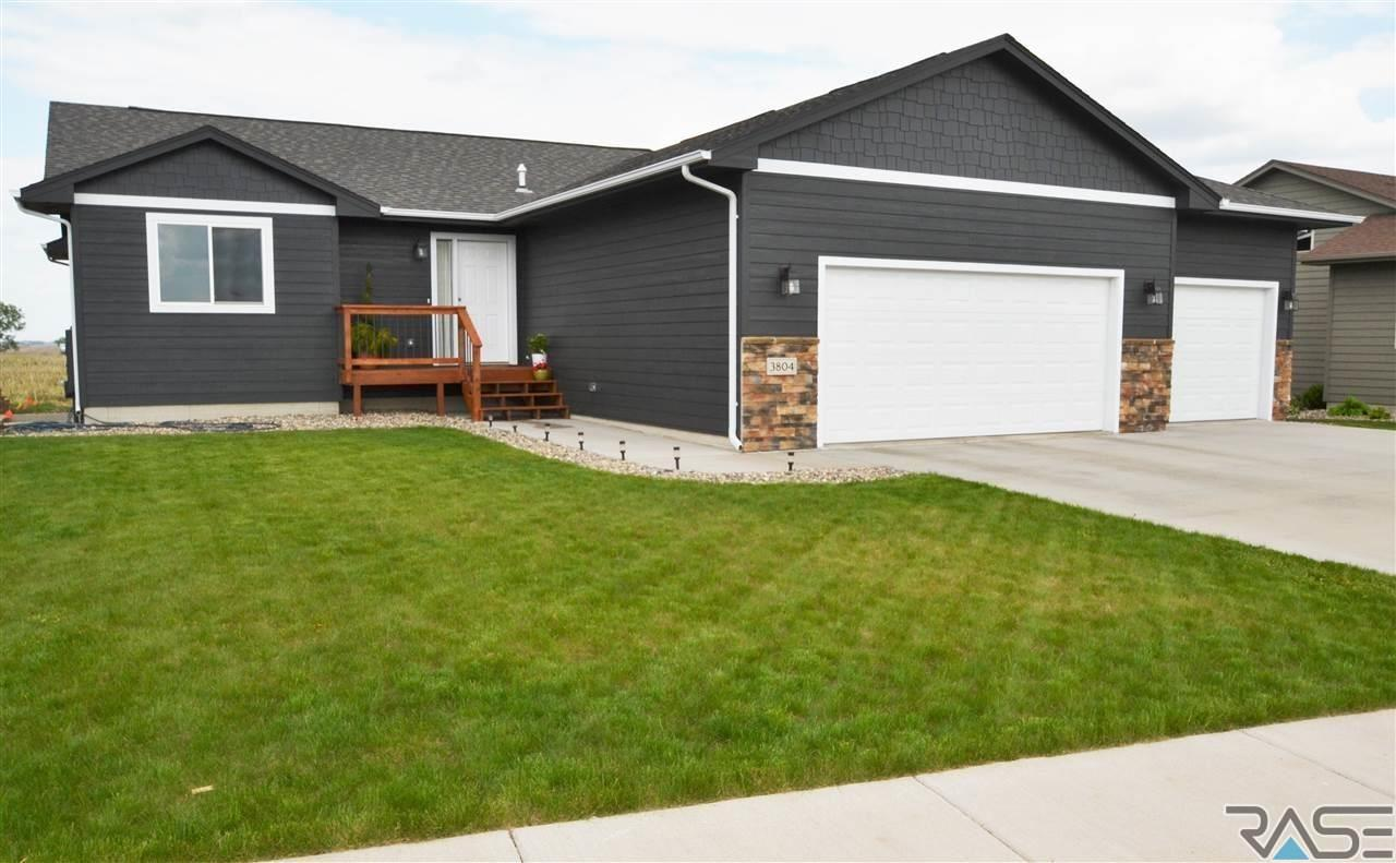 3804 S Outfield Ave, Sioux Falls, SD 57110