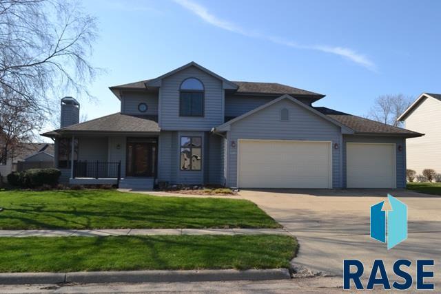 1005 E Libby Ln, Sioux Falls, SD 57108