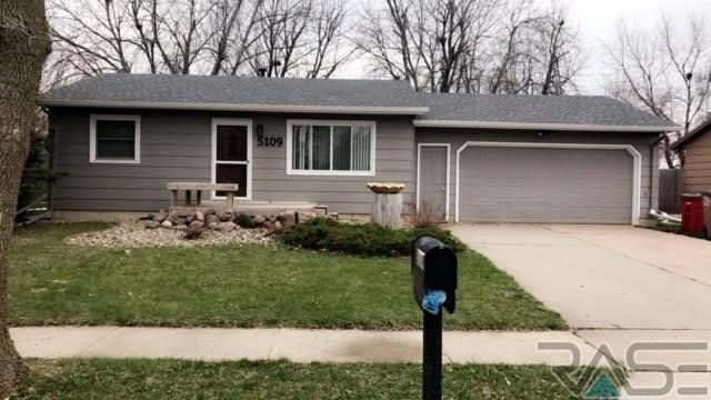 5109 S Southwind Ave, Sioux Falls, SD 57106