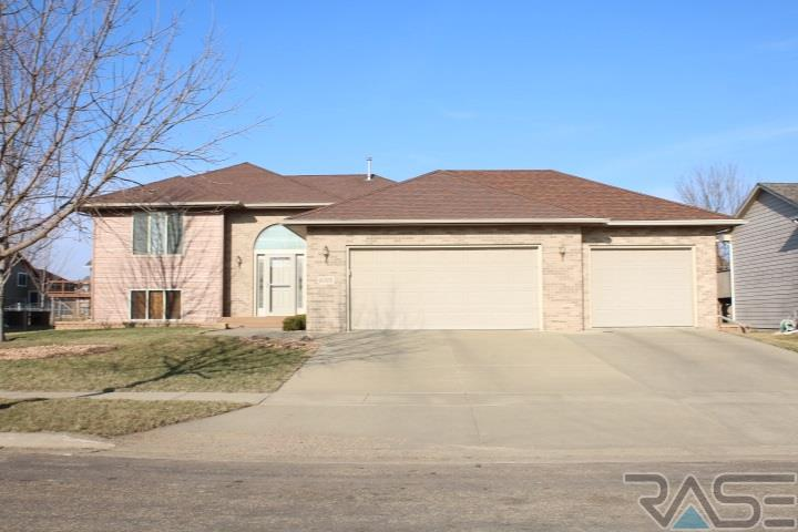 6005 S Cain Ave, Sioux Falls, SD 57106