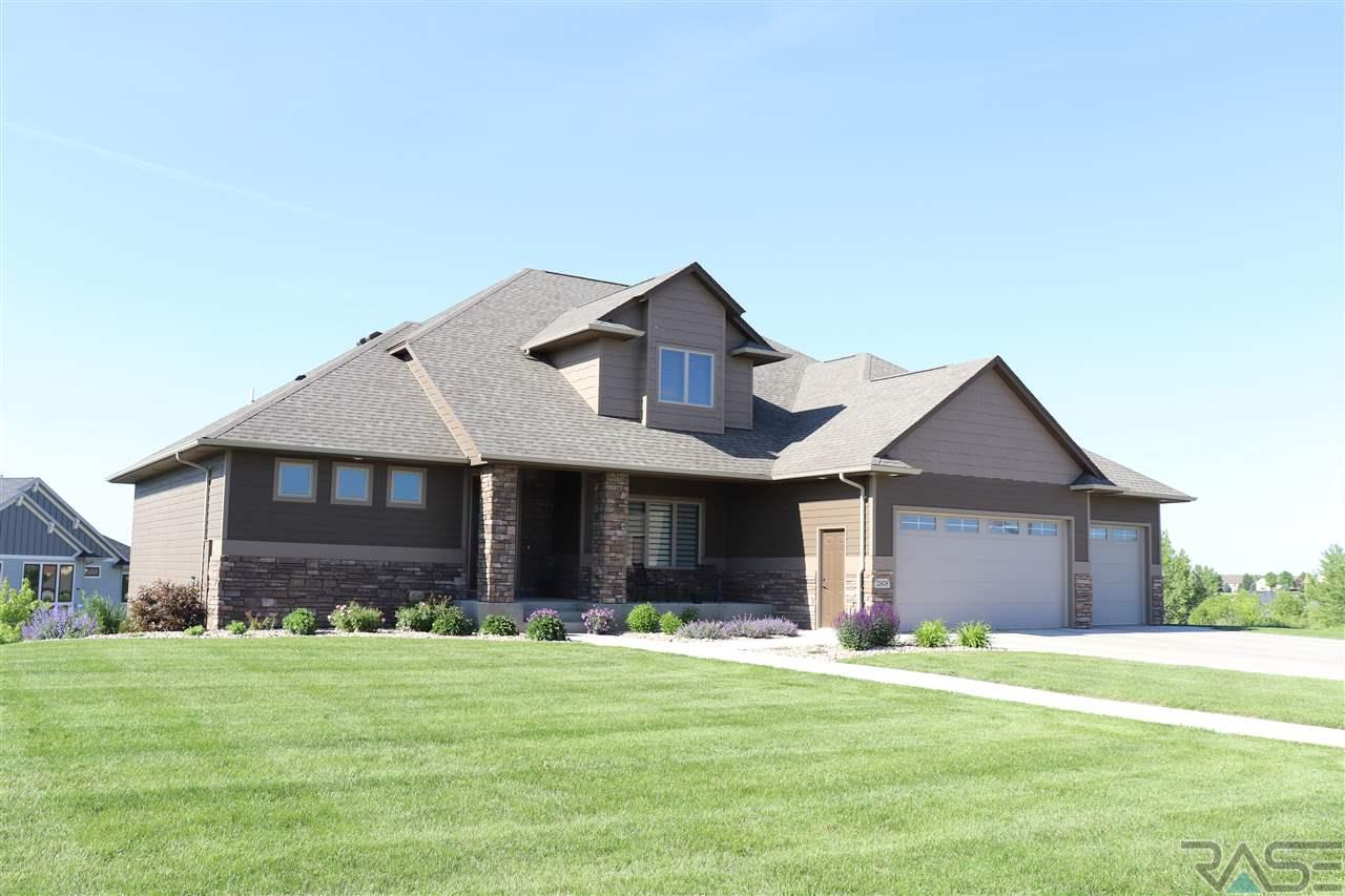 2808 W Stratton Cir, Sioux Falls, SD 57108