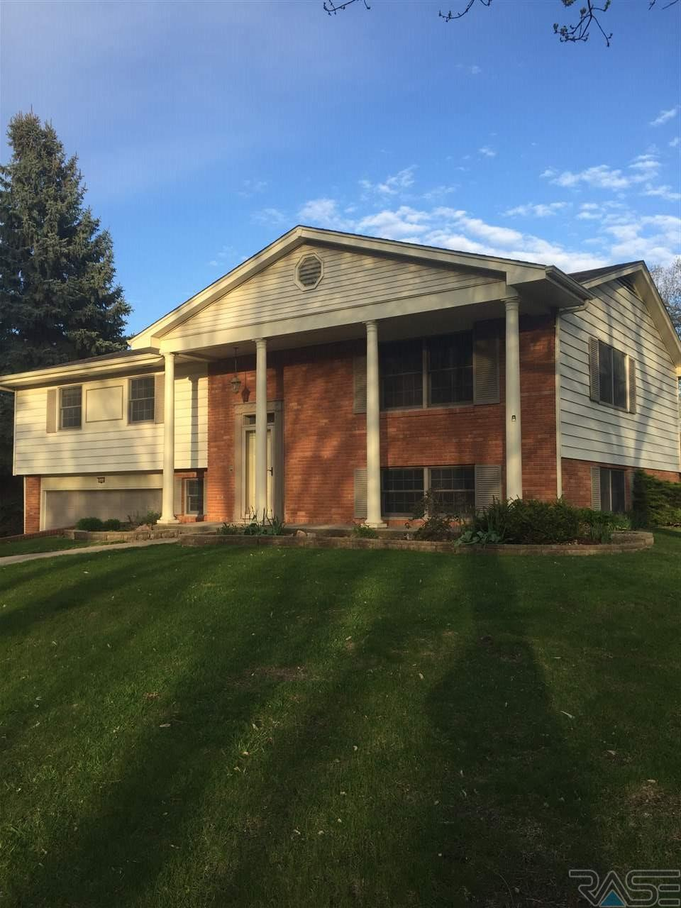 2404 S Garfield Ave, Sioux Falls, SD 57105