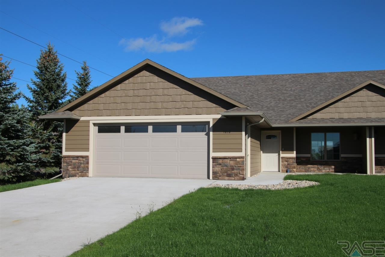 1010 S Tayberry Ave, Sioux Falls, SD 57106
