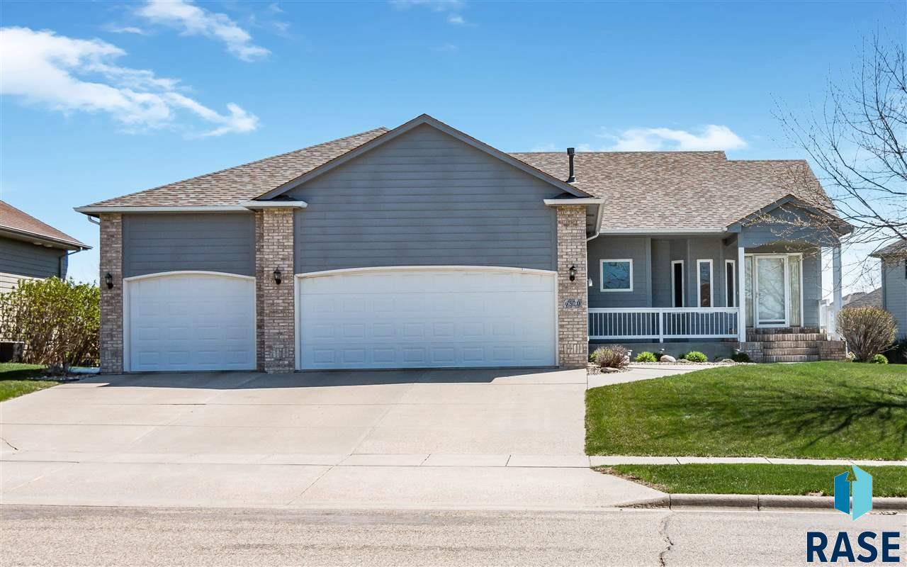 6520 S Heatherridge Ave, Sioux Falls, SD 57108
