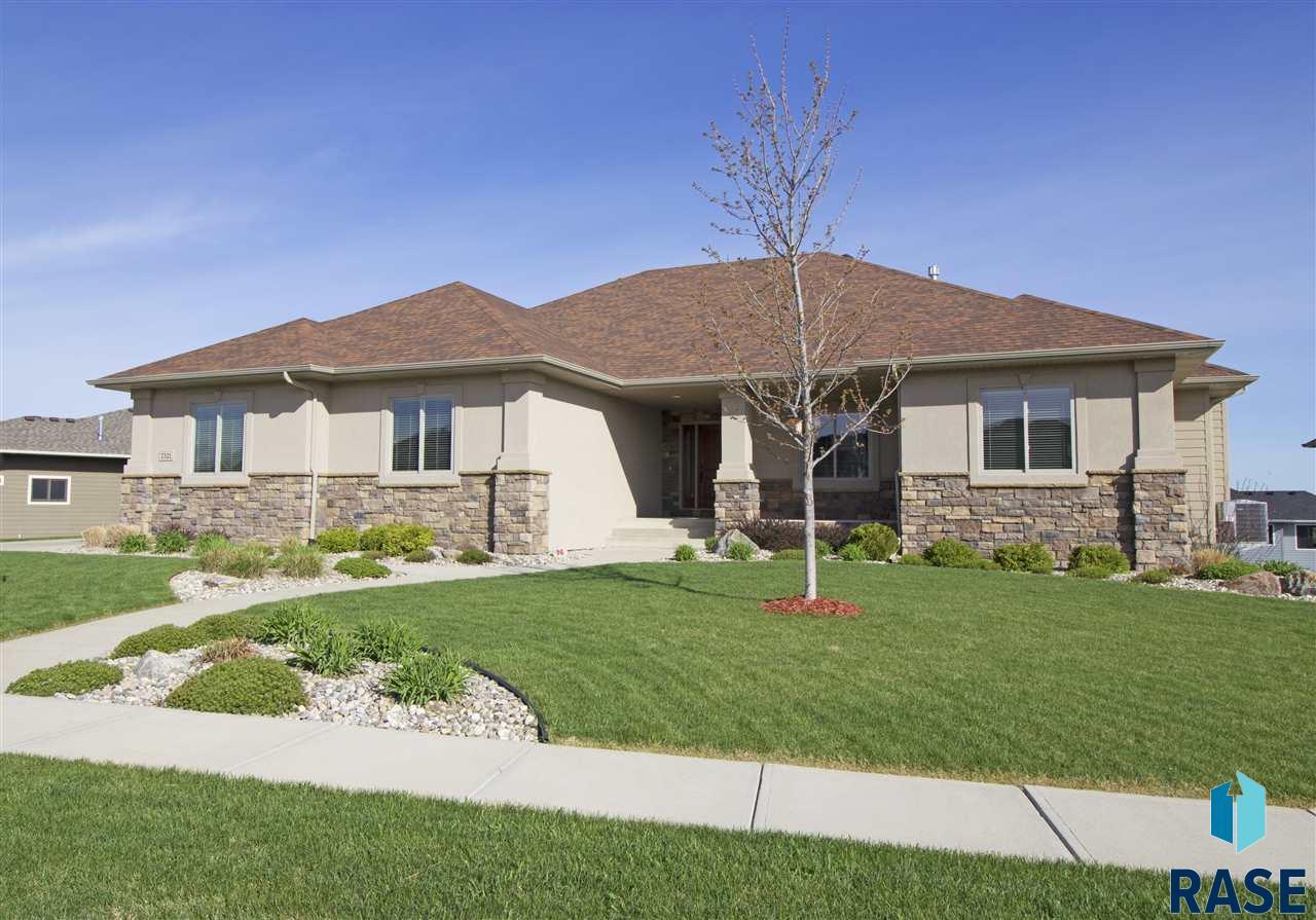 7321 S Ludlow Ln, Sioux Falls, SD 57108