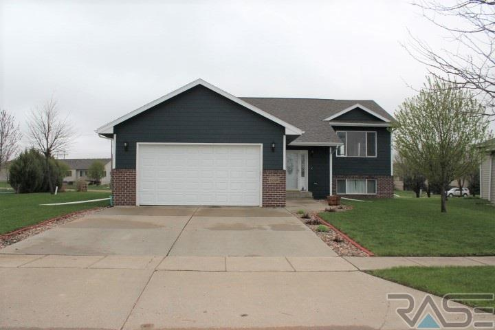 3228 S Harmony Ct, Sioux Falls, SD 57110
