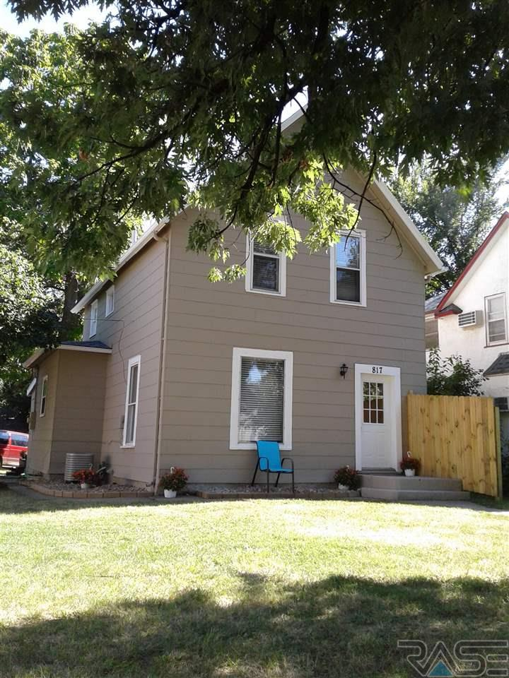 817 W 12th St, Sioux Falls, SD 57104