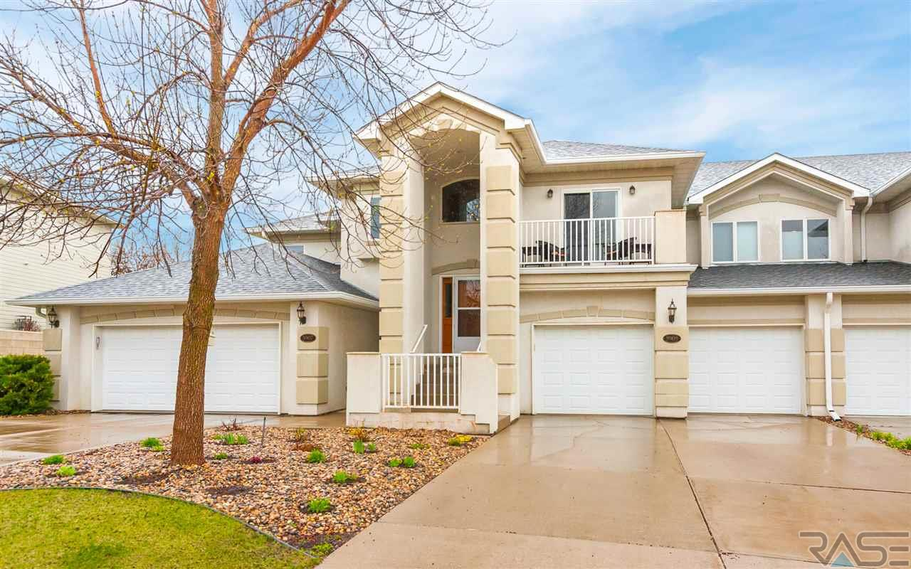 5905 S Grand Lodge Pl, Sioux Falls, SD 57108