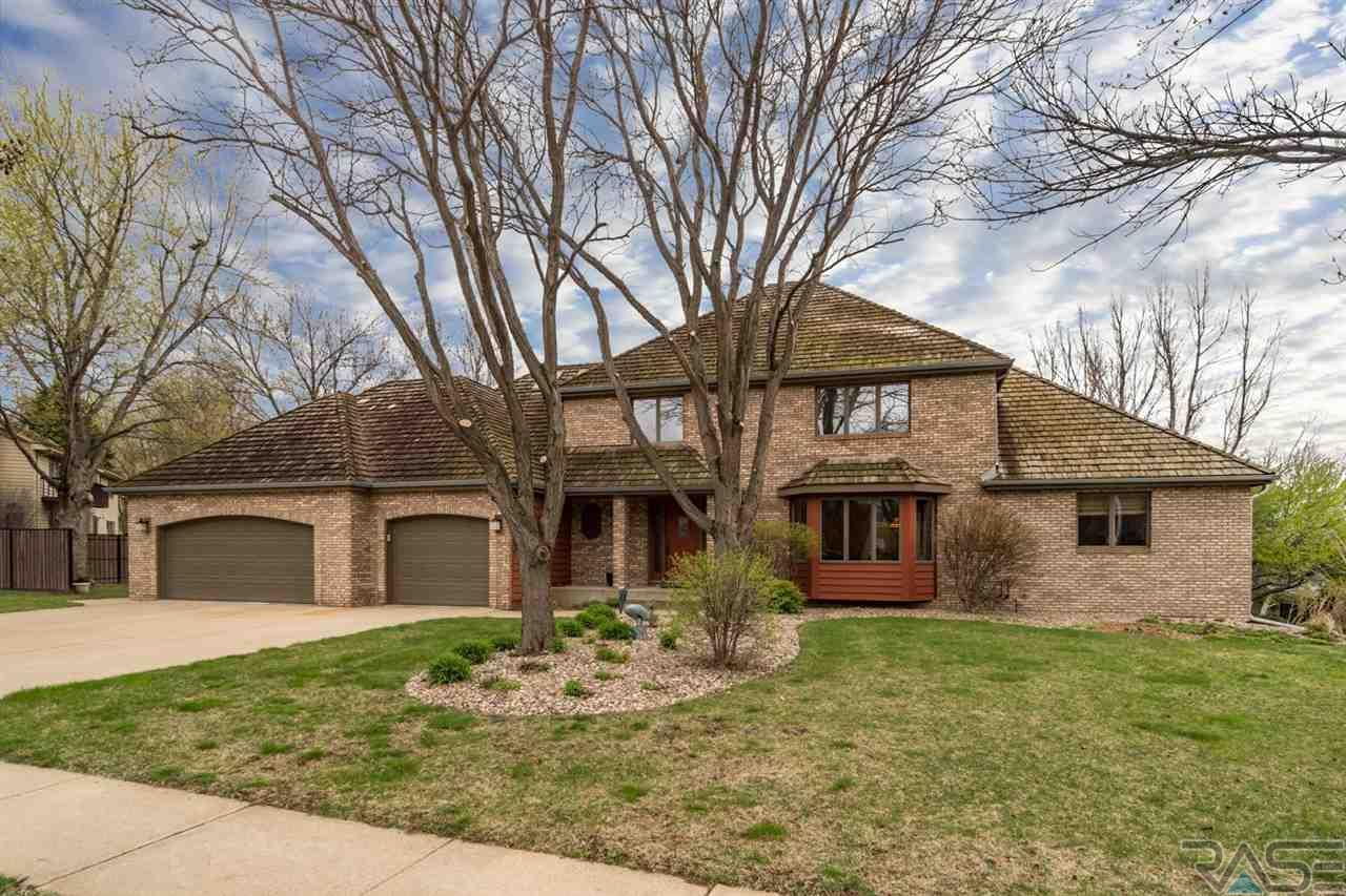 904 W Chicory Ln, Sioux Falls, SD 57108