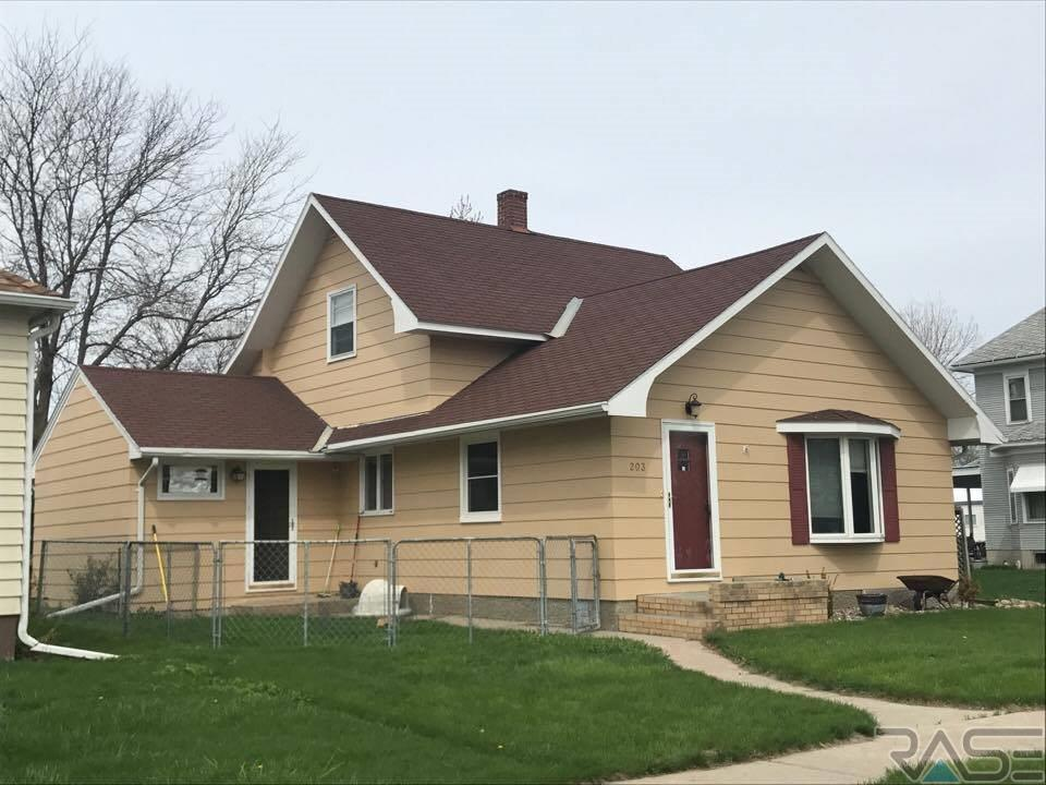 203 S Carpenter St, Tripp, SD 57376