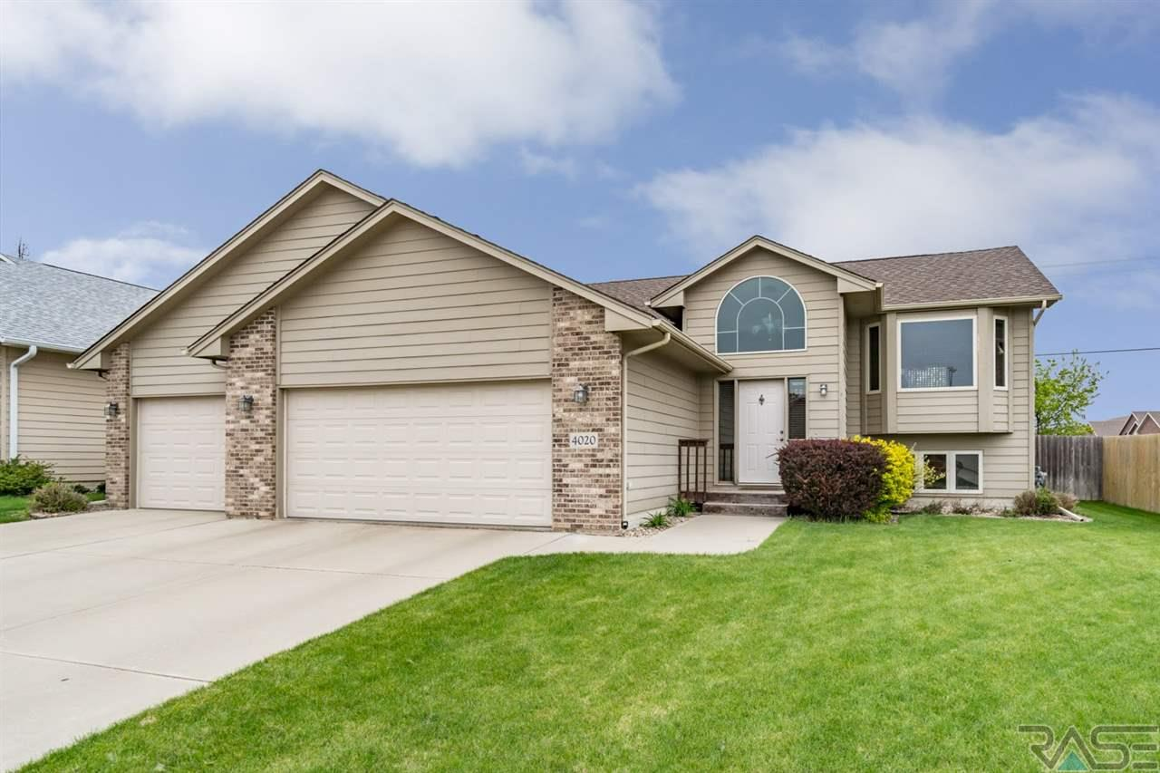 4020 S Tuscany Ct, Sioux Falls, SD 57103