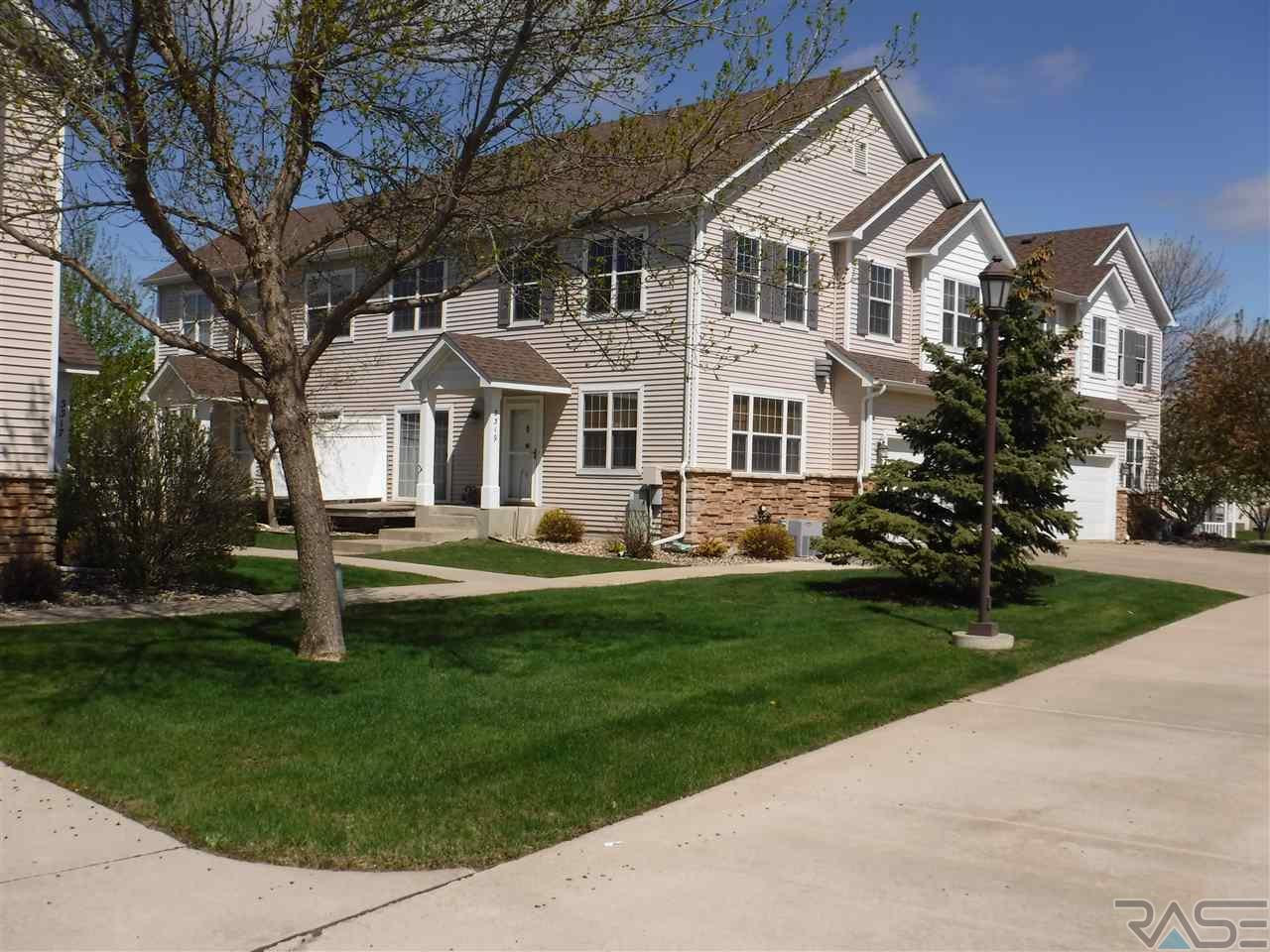 3319 W Ralph Rogers Rd, Sioux Falls, SD 57108