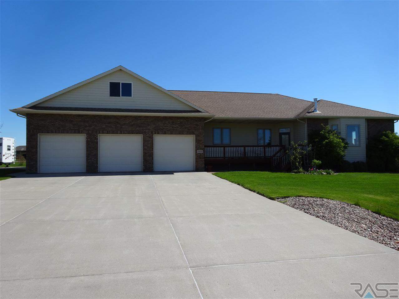 26628 Tucker Dr, Brandon, SD 57005