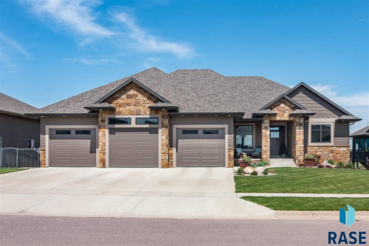 2309 S Copper Crest Trl, Sioux Falls, SD 57110