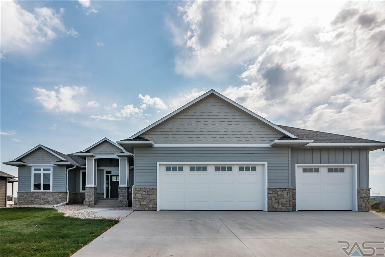 8705 E Fiddlewood Dr, Sioux Falls, SD 57110