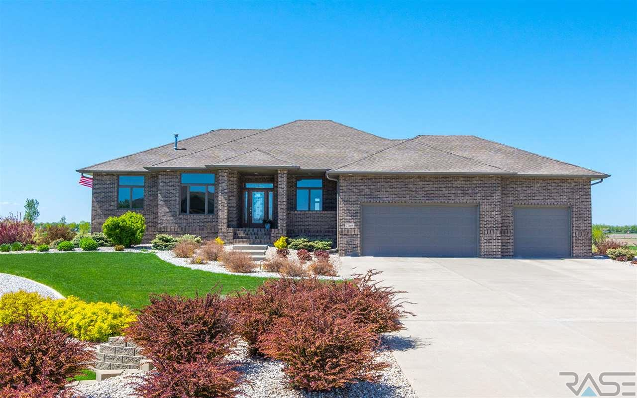 27169 Fairway Pl, Sioux Falls, SD 57108