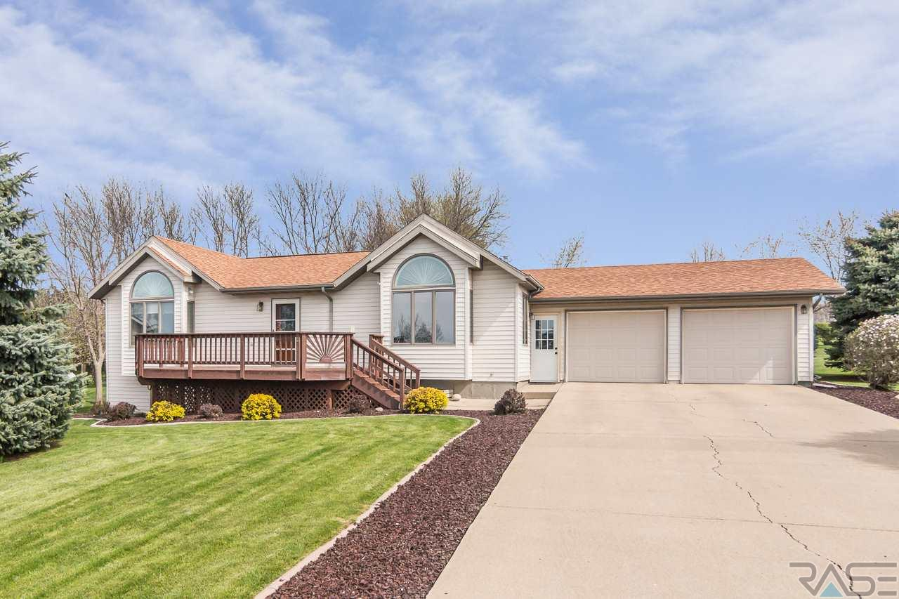 3661 N Coves Dr, Chester, SD 57016