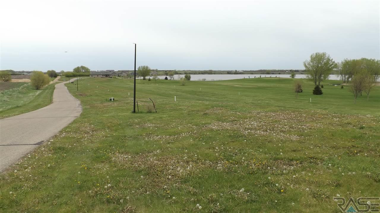 Lake Ridge 31,32,36,37,38 Dr, Wentworth, SD 57075