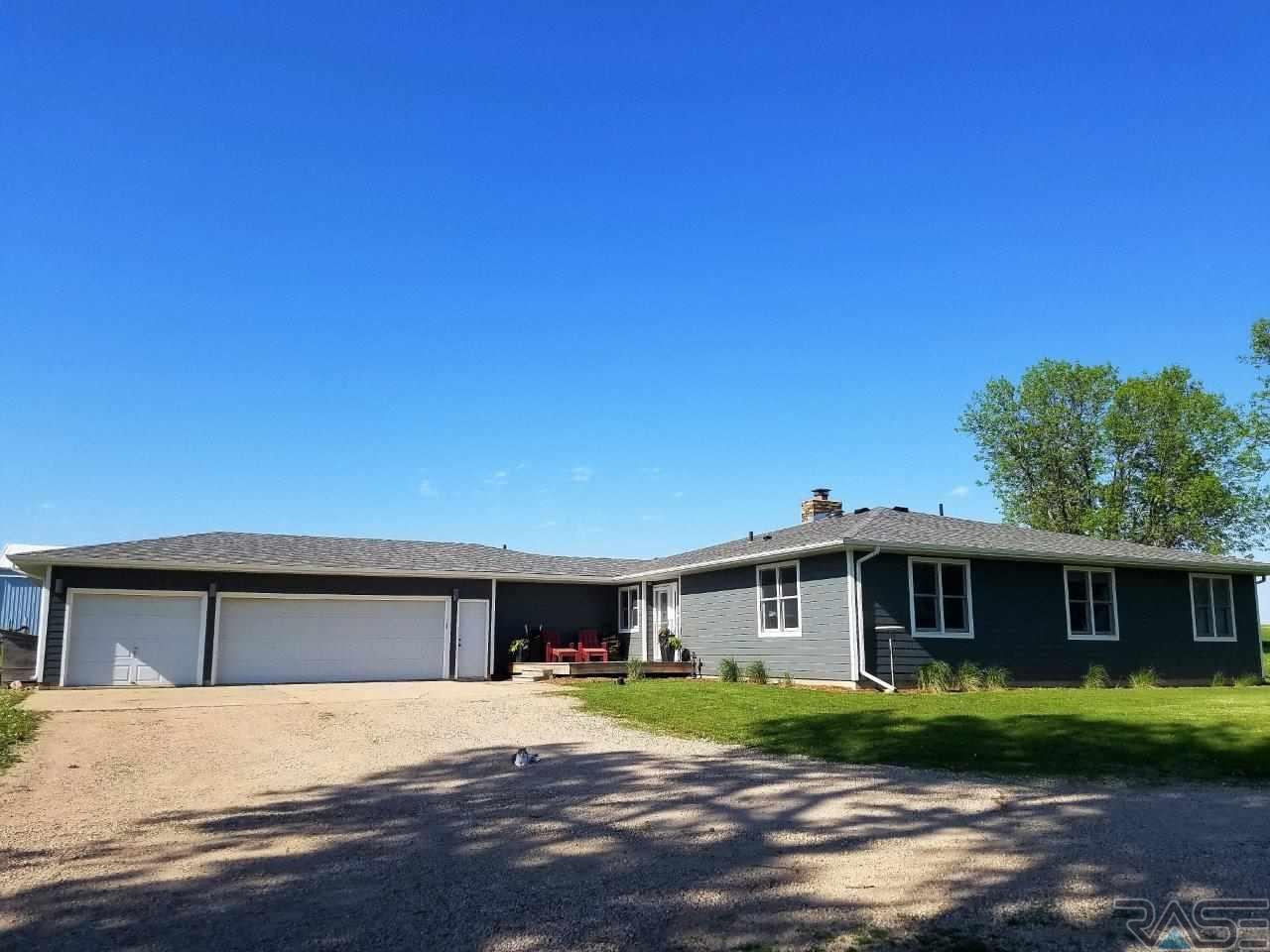 25523 N 476th Ave, Garretson, SD 57030