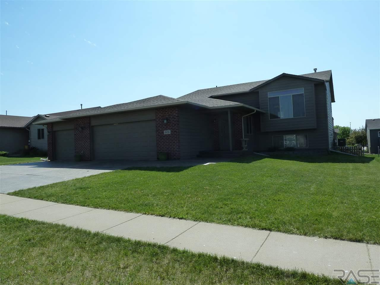 505 Patrick Ave, Hartford, SD 57033