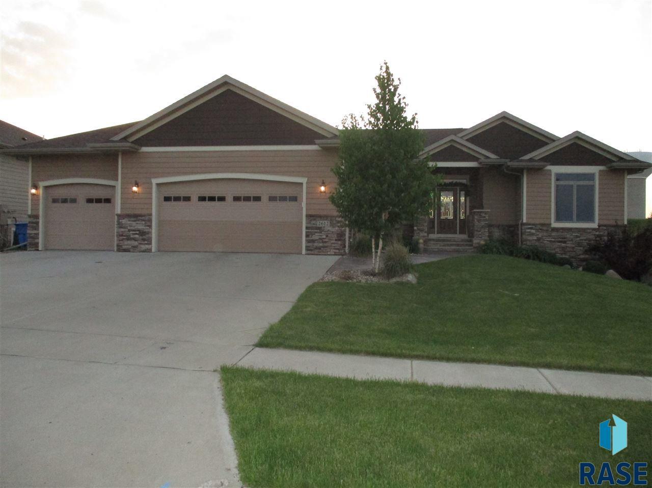 2612 W 90th St, Sioux Falls, SD 57108