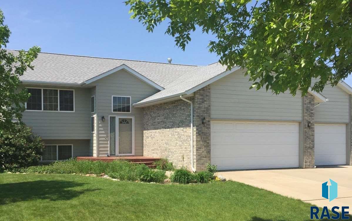 7113 S Crane Ave, Sioux Falls, SD 57108