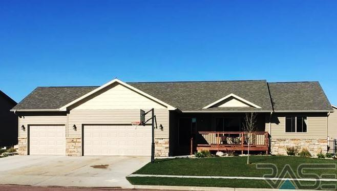 705 S Discovery Ave, Sioux Falls, SD 57106
