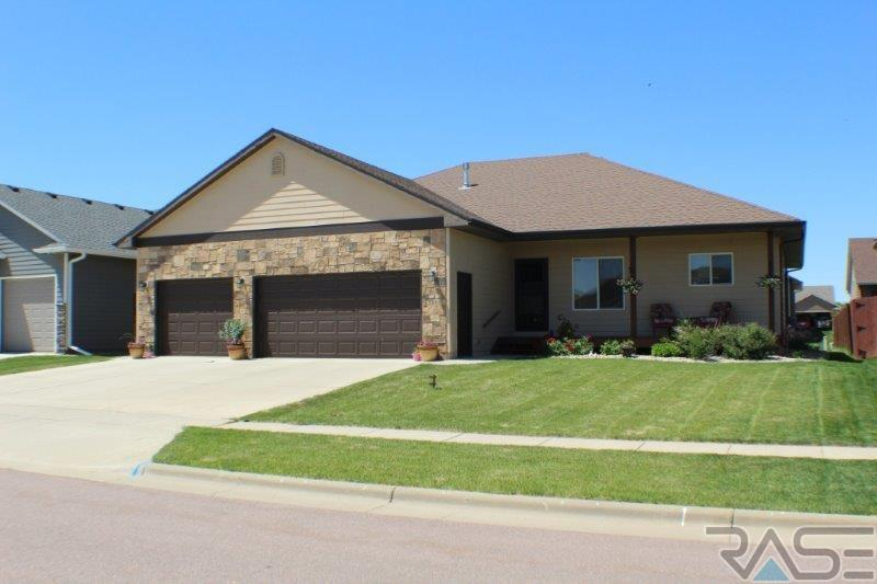 5301 S Sirocco Ave, Sioux Falls, SD 57108