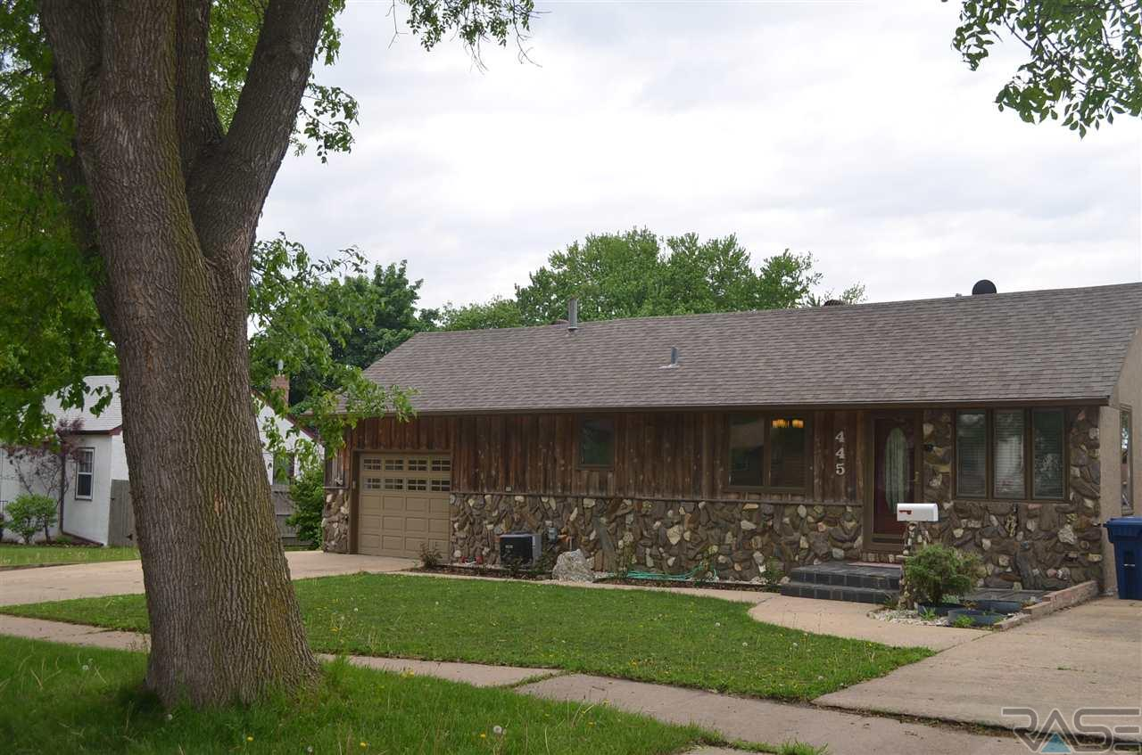 445 S Hawthorne Ave, Sioux Falls, SD 57104