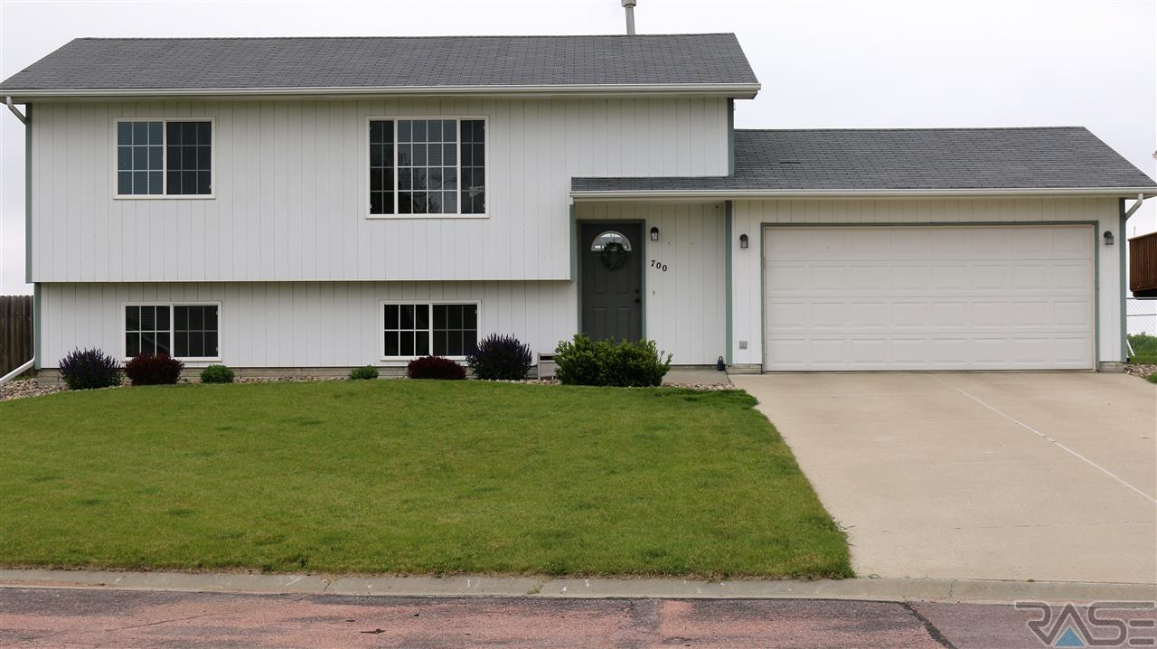 700 W Beck St, Worthing, SD 57077