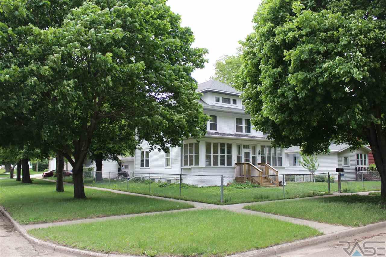 103 N Chicago Ave, Madison, SD 57042