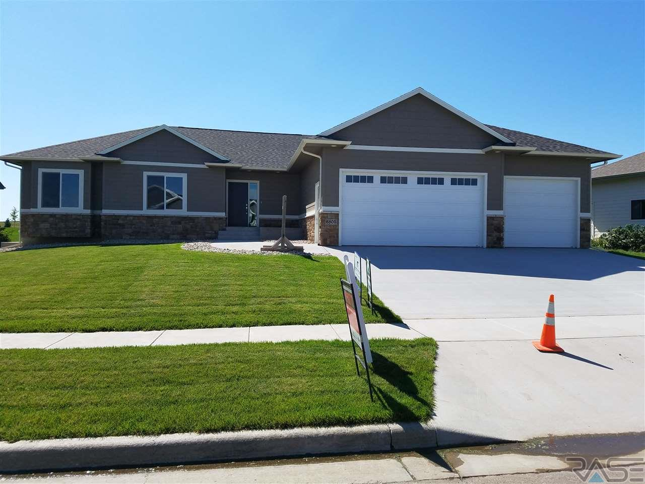 6805 E Steamboat Trl, Sioux Falls, SD 57110