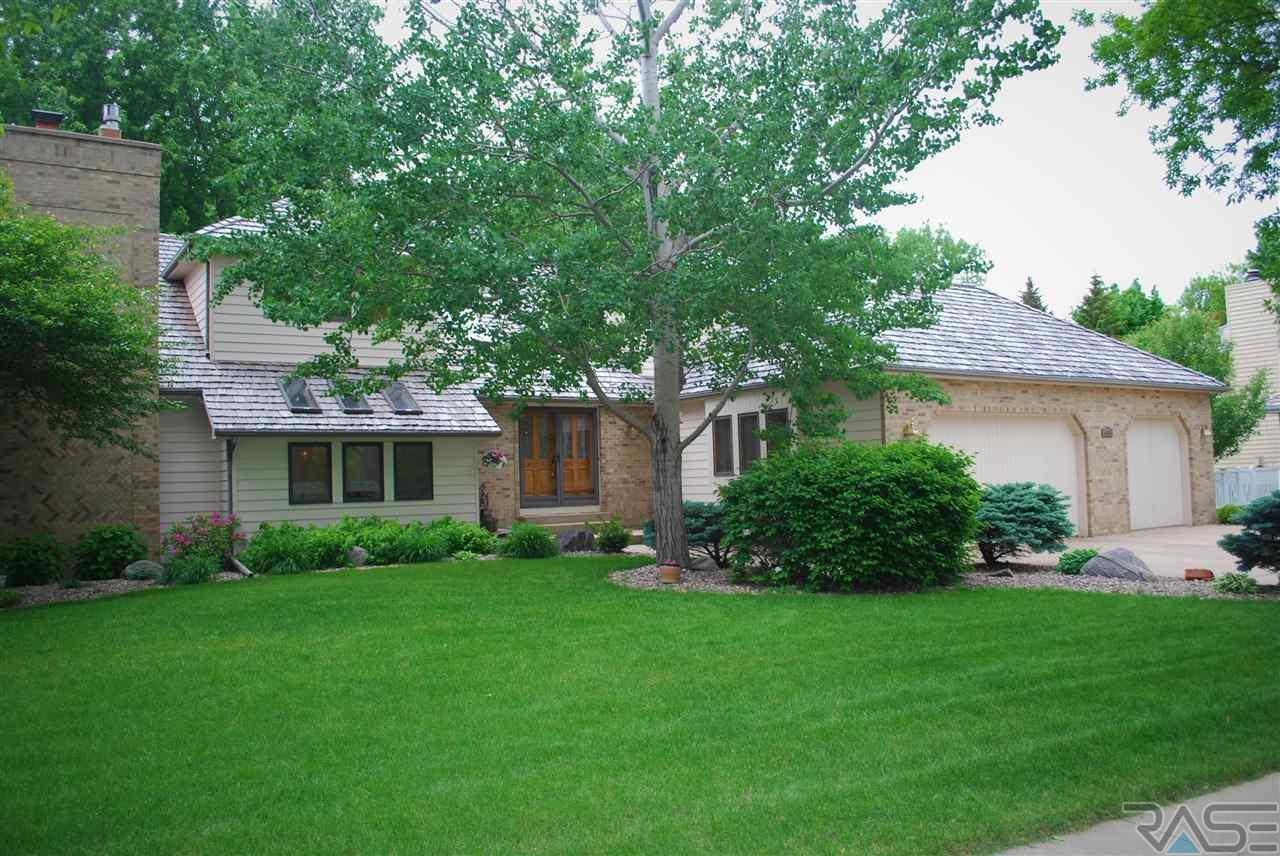 4915 S Caraway Dr, Sioux Falls, SD 57108