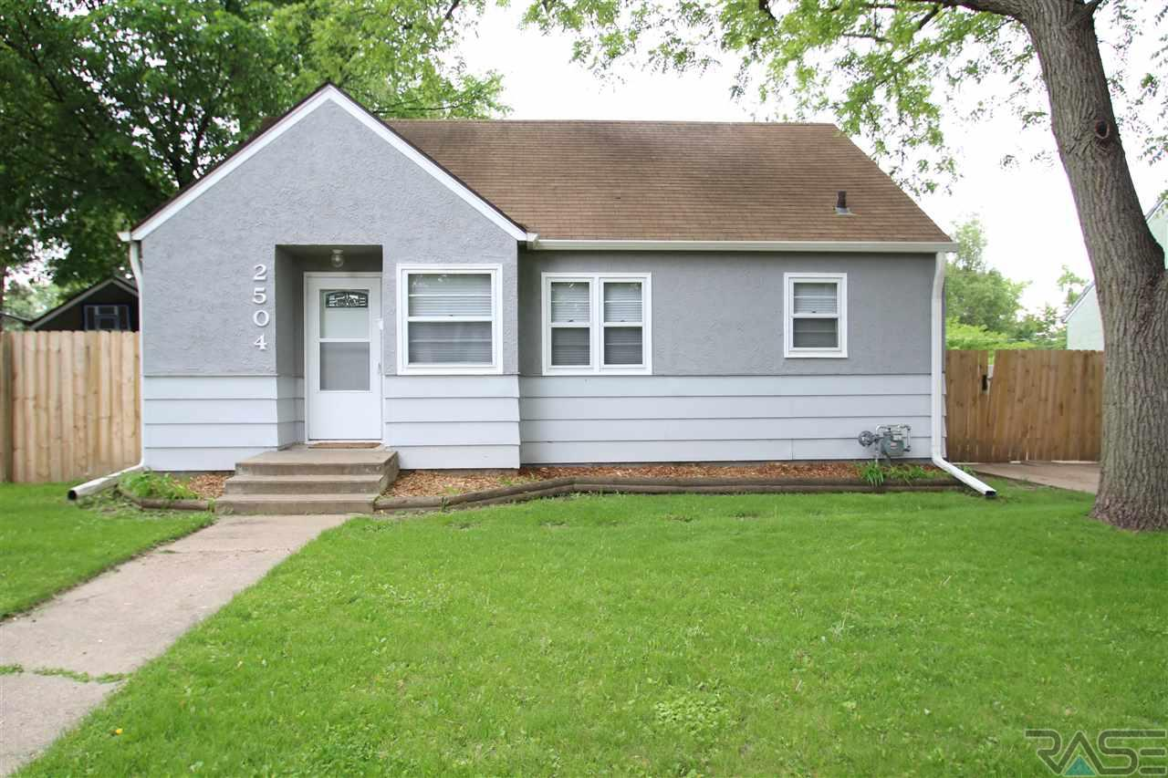 2504 S Jefferson Ave, Sioux Falls, SD 57105