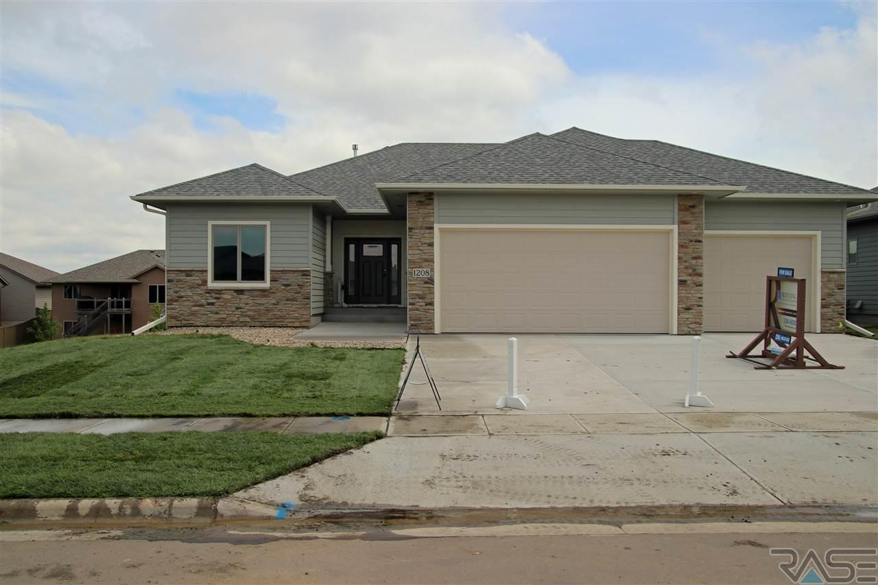 1208 South Wheatland Ave, Sioux Falls, SD 57106