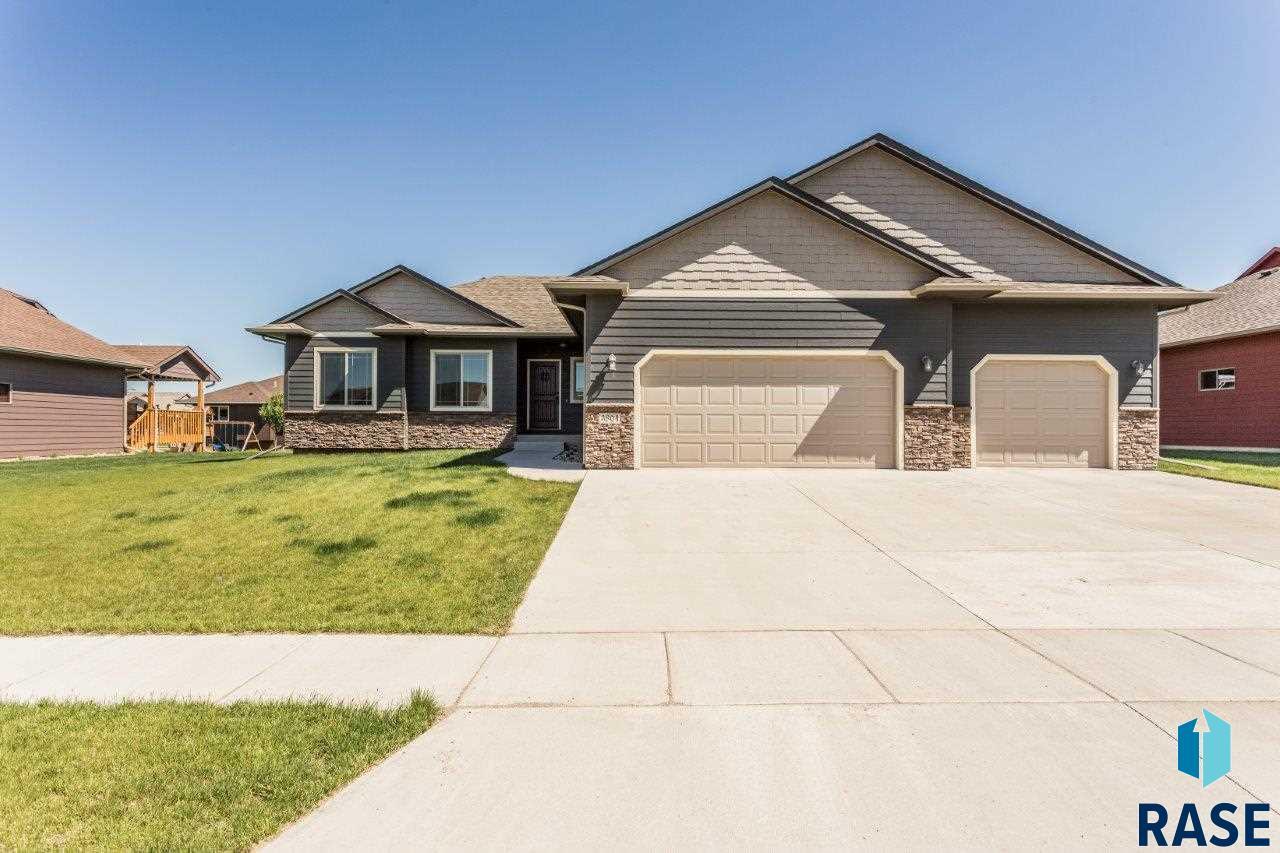 3804 W 90th St, Sioux Falls, SD 57108