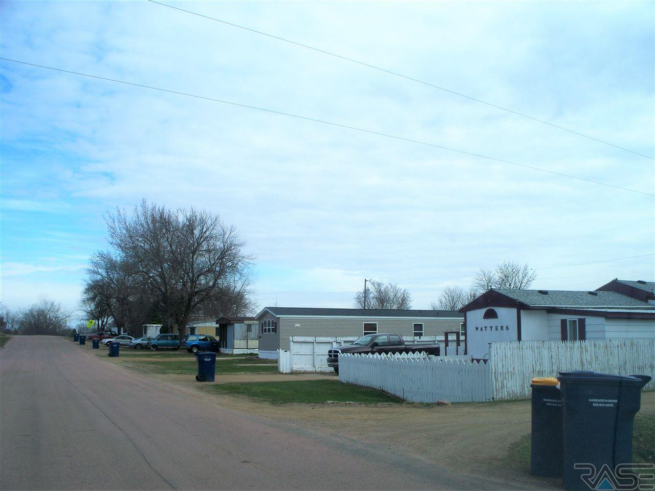 600 S 4th St, Baltic, SD 57003