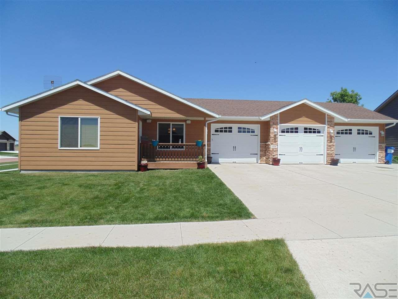 408 W 14th St, Dell Rapids, SD 57022