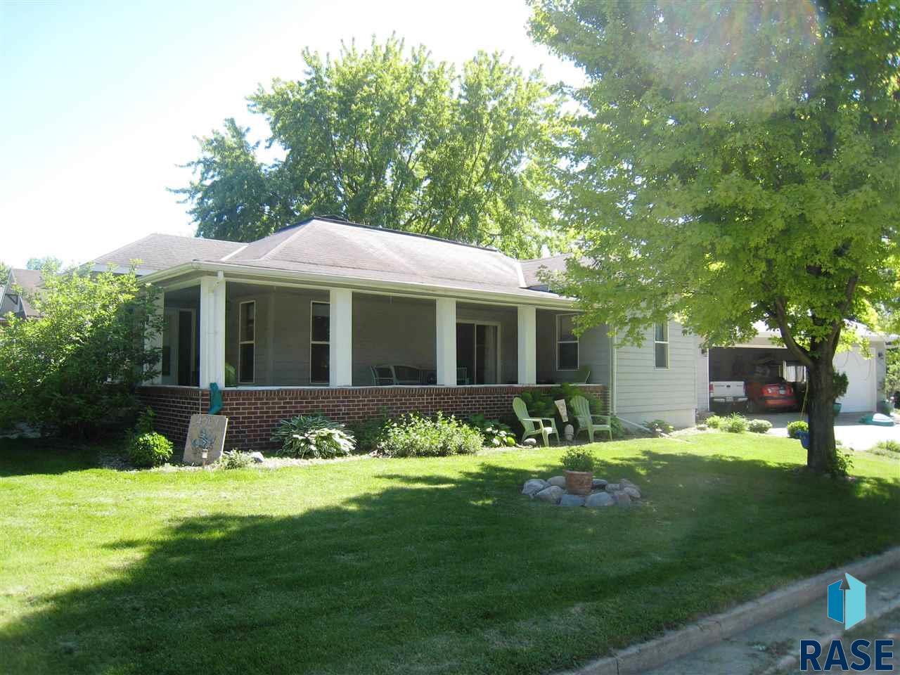 401 S Glenn Ave, Colton, SD 57018