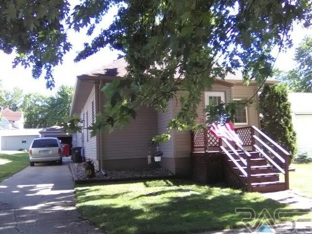 209 4th St E, Jasper, MN 56144