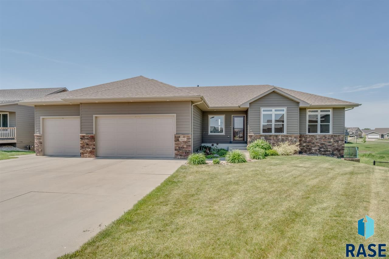 5805 W Bream Ct, Sioux Falls, SD 57107
