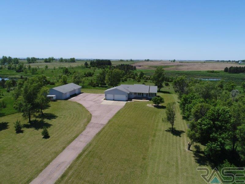 26643 461st Ave, Hartford, SD 57033